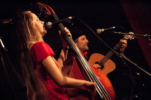 http://www.acoustic-bazar.fr/photos/08-11-2011dsc_0489.jpg